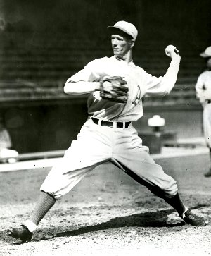 Lefty Grove tossed three perfect innings to help lead the American League to victory.
