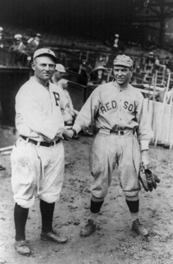 Fellow All-Stars Gavvy Cravath (left) and Tris Speaker met two years ago in the World Series.